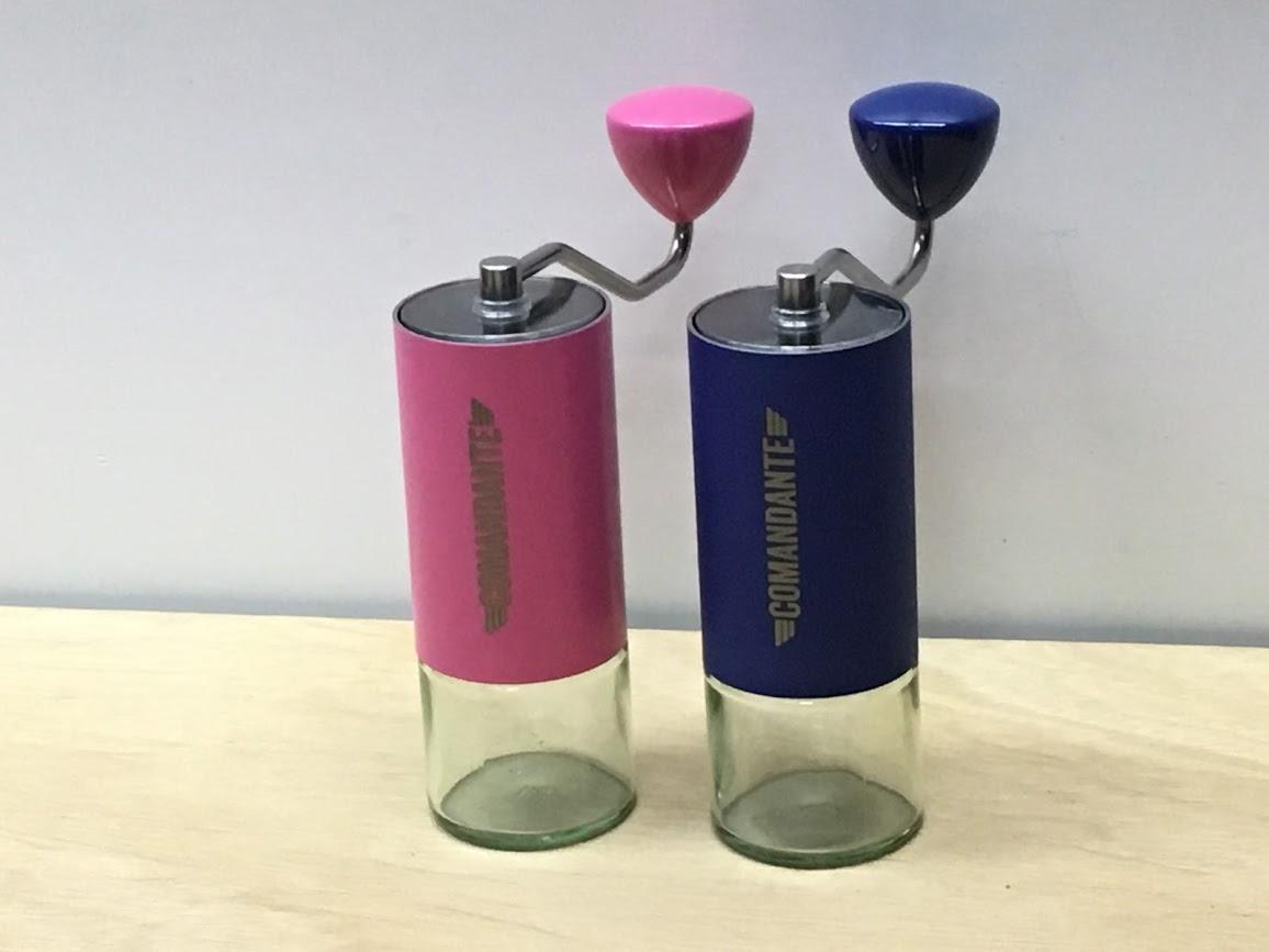COMANDANTE コマンダンテ C40コーヒーグラインダー「ピンク SAKURA」「ブルー ULTRAMARINE」