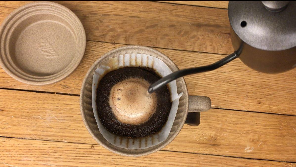 【kalita】「カリタ砂岩陶土101ドリッパーSG-101」と「カリタ砂岩陶土トレイSGトレイ」でコーヒードリップ